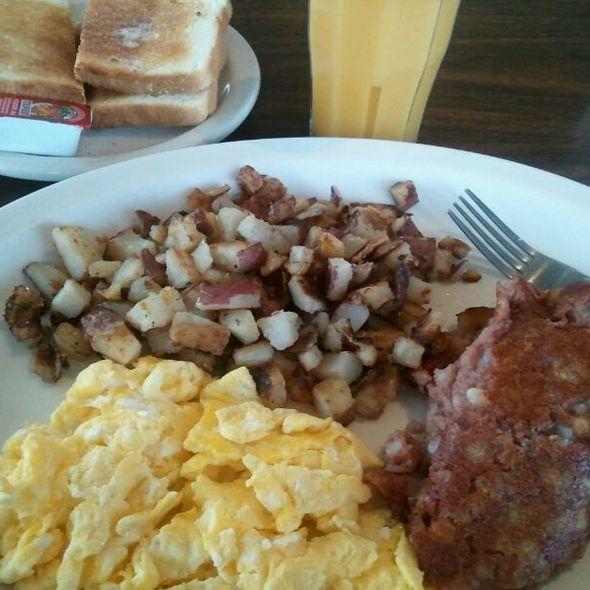 485_arliss.breakfast.5